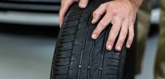 Montare pneumatici diversi sullo stesso asse è vietato, lo dice Assogomma