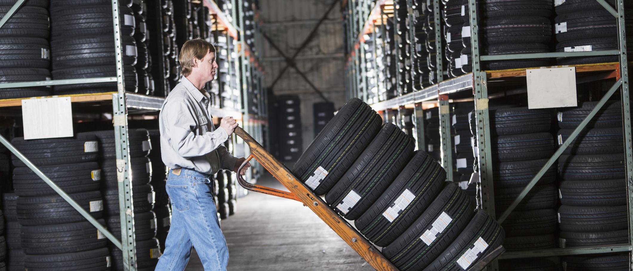 Come conservare i pneumatici invernali senza cerchio