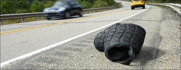 pneumatico su autostrada